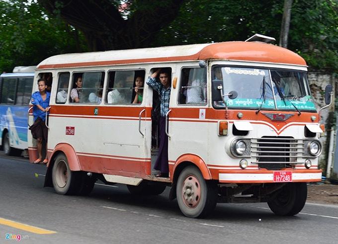 Kết quả hình ảnh cho xe bus myanmar