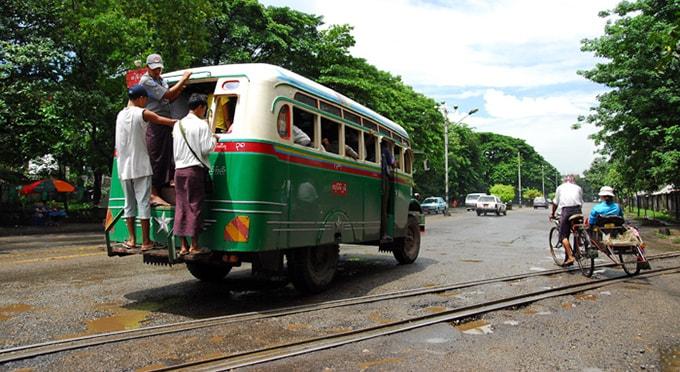 du lich xe bus o myanmar4-min